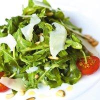 Простой салат с рукколой