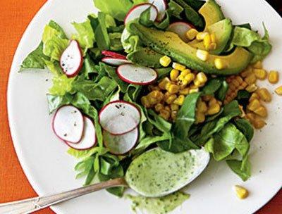 Салат из редиски с кукурузой