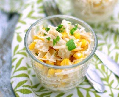 Салат из сельдерея, ананаса и кукурузы