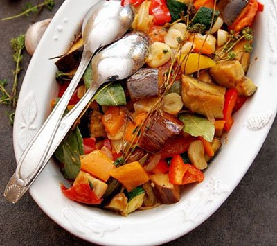 Овощное рагу из кабачков и баклажанов готово