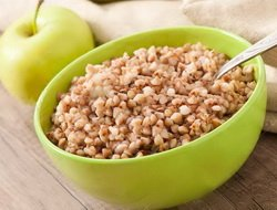 Разгрузочный день на гречке и яблоках