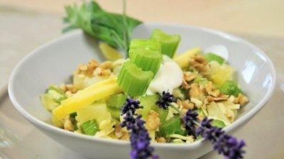 Рецепт салата из сельдерея и ананаса