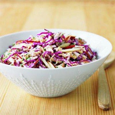 Весенний салат с красной капустой - рецепт с фото