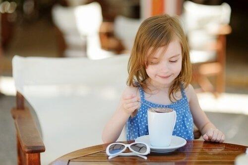 Кофе не рекомендуется маленьким детям