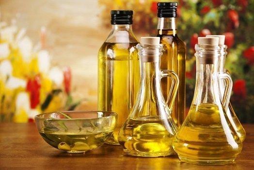 Бутылки с растительными маслами