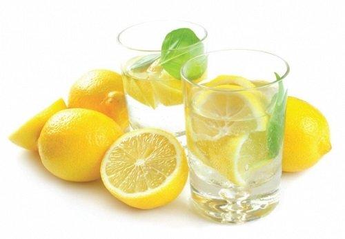 Лимоны и лимонная вода