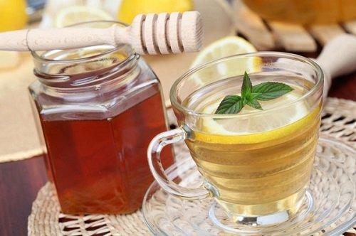 Мед и вода с лимоном